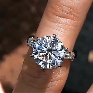 New Women's Round Cut 925 Silver Diamond Ring
